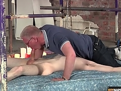 Blissful dad blows the cute twink attached with vassalage