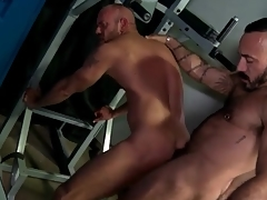 Locker room rimjob surprisingly to anal with hot bears